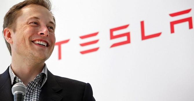 """""""Mánh"""" thành công của Elon Musk: Thắng lớn nhờ thua nhỏ"""
