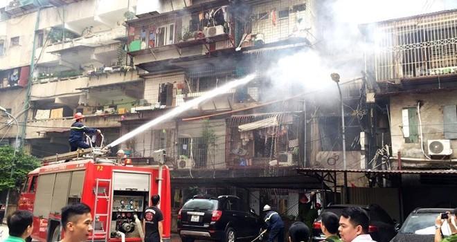 Cháy khu tập thể cơ yếu Chính phủ, hàng chục người tháo chạy