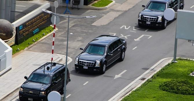 Cadillac One của Tổng thống Obama trên đường phố Sài Gòn