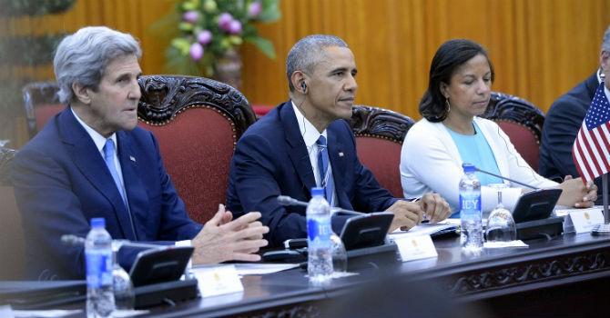 Trong cuộc họp với Chính phủ Việt Nam, Tổng thống Obama dùng loại nước uống gì?