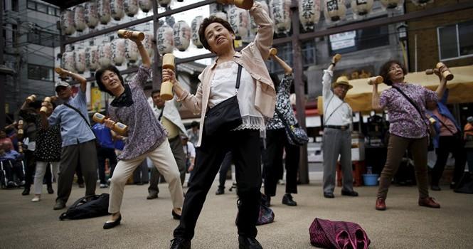 Nhật Bản - nơi tiền và quyền thuộc về người lớn tuổi