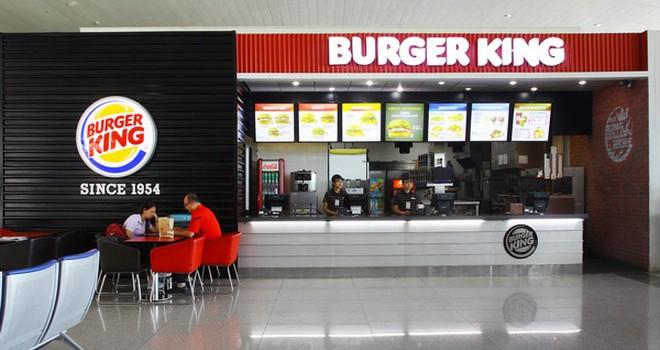 Thị trường Fastfood Việt: Trâu chậm đang uống nước đục?