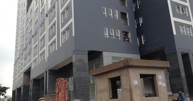 """Dream Home Luxury Gò Vấp: Cư dân đã dọn đến, """"nhà mơ"""" vẫn ngổn ngang như công trường"""