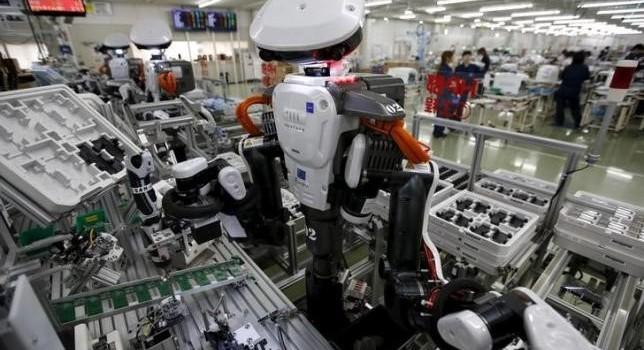 Hàng triệu người Việt Nam có thể mất việc vì người máy