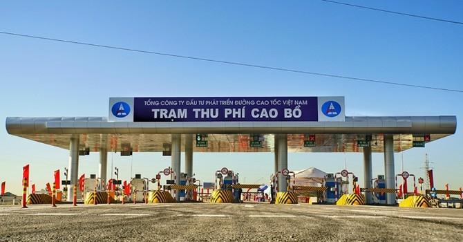 """Trạm thu phí không dừng: Người Việt """"thừa thời gian"""" nên không cần áp dụng?"""