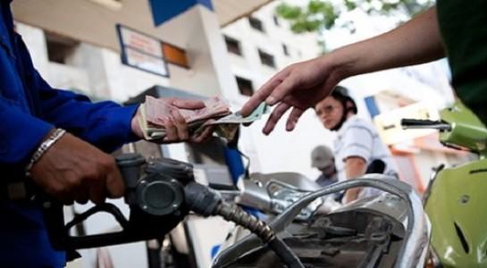 Giá xăng Việt Nam quá đắt đỏ so với thế giới