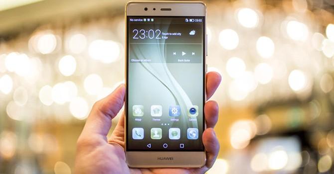 """Doanh số smartphone của Huawei khiến Apple, Samsung """"giật mình"""""""