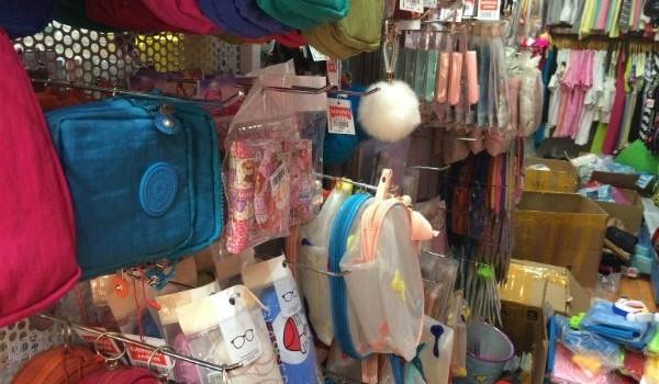 Cửa hàng Miniso ở Hà Nội bán hàng Trung Quốc