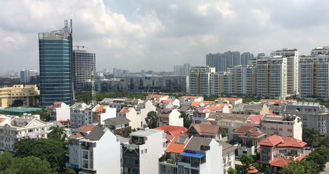 Thị trường có biến, mua nhà ngay hay chờ giảm giá?