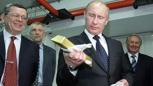 Tổng thống Putin âm thầm mua vàng ròng: Không thể xem thường