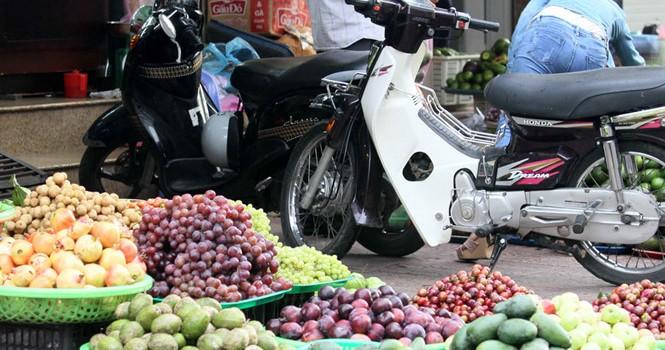 Rau, quả Trung Quốc ùn ùn vào Việt Nam