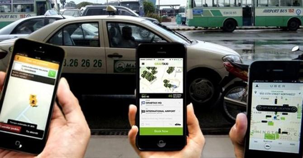"""Bộ Giao thông vận tải quyết """"soi"""" Uber, Grab"""