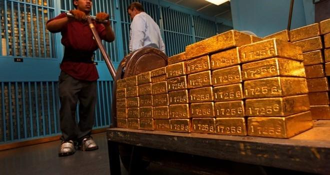Giới đầu tư đổ xô mua vàng, ngân hàng phải xây thêm kho