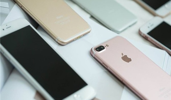 Chưa bán, Apple đã lo iPhone 7 cháy hàng