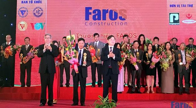 Faros: Ông vua tốc độ thi công lên sàn