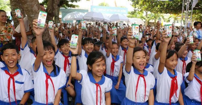 Vinamilk và Quỹ sữa Vươn cao Việt Nam đến tỉnh An Giang