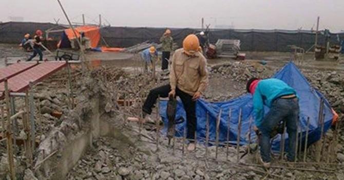 Hà Nội: Nhà 8B Lê Trực, mới dỡ xong mặt sàn bê tông nóc tầng 19
