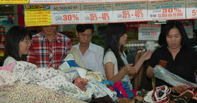 Nhiều khách hàng ôm hận vì chiêu khuyến mãi của các siêu thị