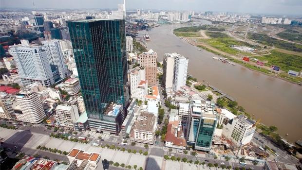 TP.HCM và sức ép hạ tầng từ đô thị 13 triệu dân