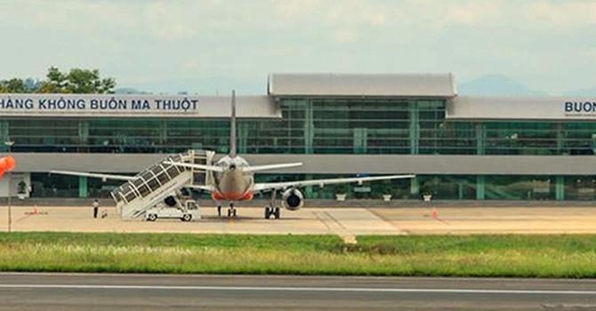 Máy bay đi Buôn Ma Thuột hạ cánh xuống TP.HCM vì thời tiết xấu