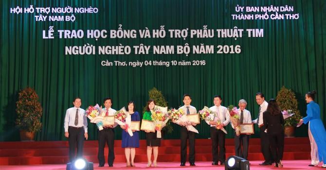 PVcomBank trao học bổng và hỗ trợ phẫu thuật tim cho người nghèo Tây Nam Bộ