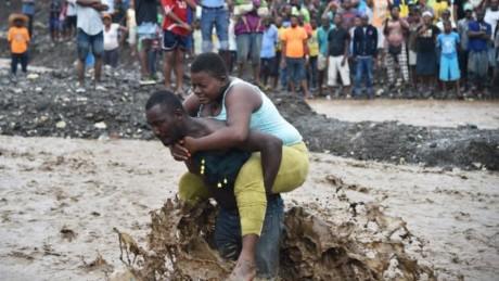 Bão kinh hoàng tàn phá Haiti, 261 người thiệt mạng