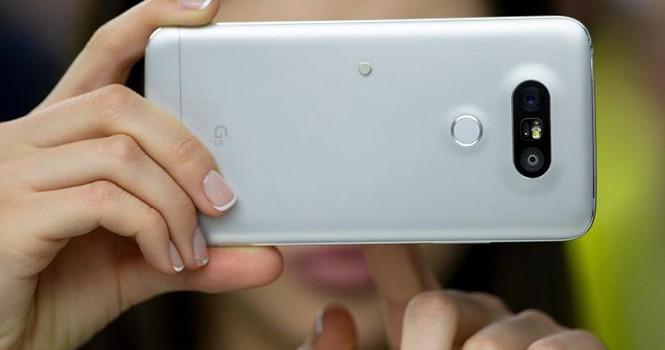 Sẽ có điện thoại trang bị đến 3 camera phía sau?