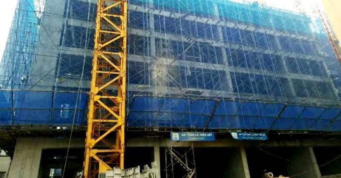 Địa ốc 24h: Sập giàn giáo khiến 2 người tử vong, Eco Green Tower bị đình chỉ thi công