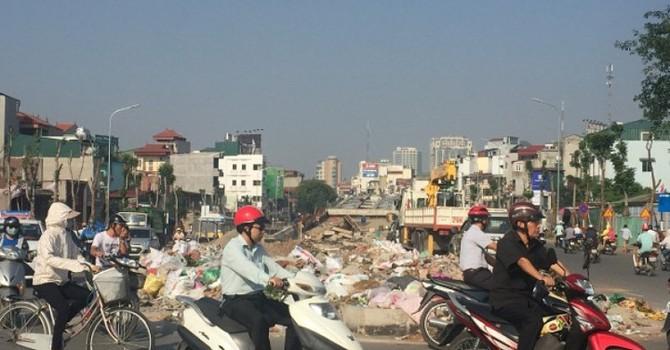 Dân vẫn khốn khổ vì chất thải rắn xây dựng