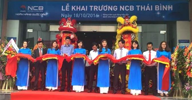 NCB Thái Bình dành nhiều phần quà hấp dẫn cho khách hàng nhân dịp khai trương
