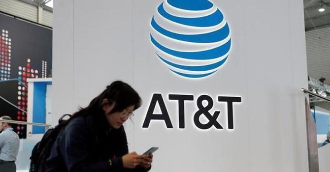 AT&T chi 85 tỷ USD thôn tính công ty sở hữu CNN, HBO, Warner Bros
