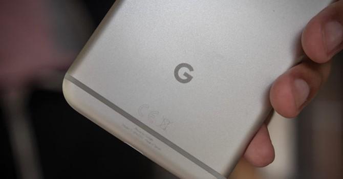"""Vì sao Google """"giấu giếm"""" việc nhờ HTC giúp đỡ để tạo nên dòng Pixel?"""