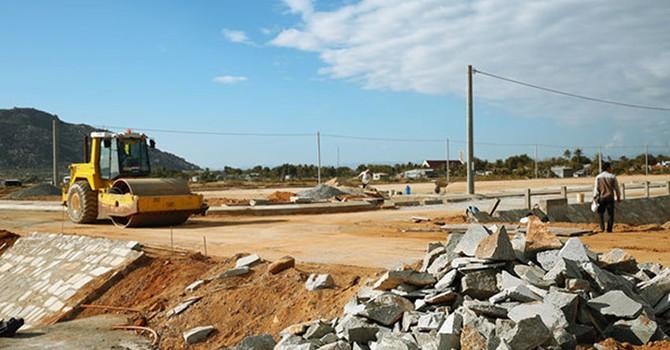 Dự án PPP, dự án có sử dụng đất: Khi nhà đầu tư một mình một sân