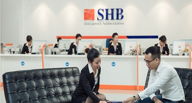 Lợi nhuận ngân hàng: Kẻ cười, người khóc