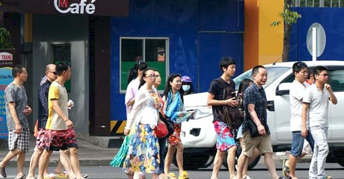 Khách Trung Quốc, Hàn Quốc kéo tổng lượng khách quốc tế đến Việt Nam tăng vọt