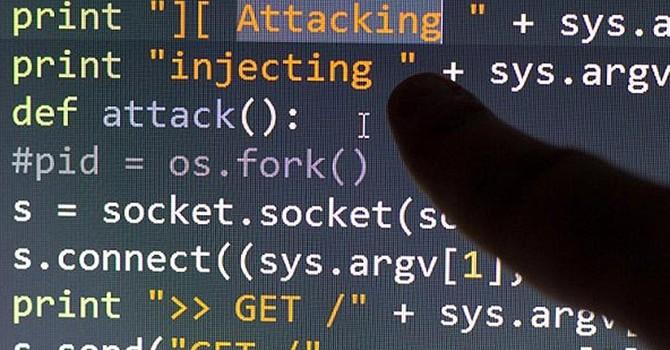 """Hacker """"dội bom"""" ngân hàng Nga, kiểm soát 24.000 camera an ninh toàn cầu"""
