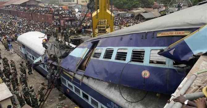 Tai nạn tàu hỏa ở Ấn Độ, 60 người thiệt mạng