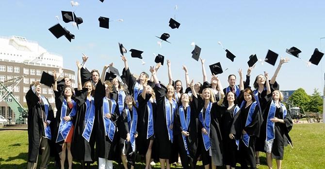 Việt Nam thuộc top 10 quốc gia, vùng lãnh thổ có nhiều du học sinh nhất tại Mỹ