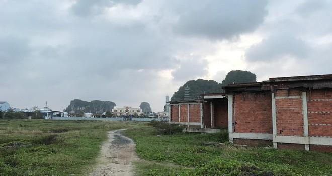 """Cận cảnh những dự án nghỉ dưỡng bỏ hoang dọc bãi biển """"vàng"""" Đà Nẵng"""
