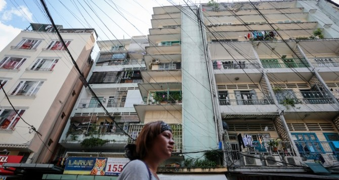 Cuộc sống trong chung cư cũ ở phố Tây Sài Gòn