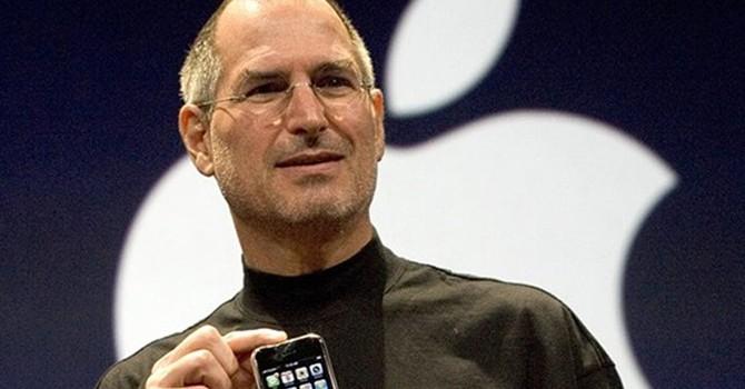 Nhân viên Apple từng mặc đồ đen để giữ bí mật về iPhone