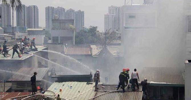 TP.HCM đề xuất dùng trực thăng quân đội cùng chữa cháy