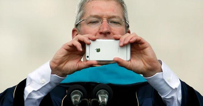 """Tim Cook: """"Chiếc iPhone tốt nhất còn chưa ra mắt"""""""