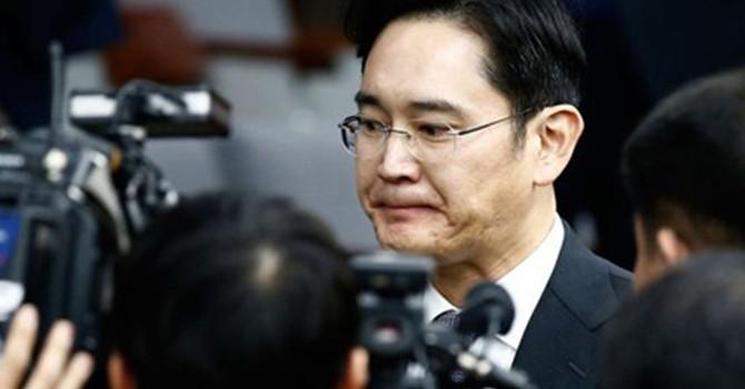 Lãnh đạo Samsung nói bị tổng thống ép góp tiền cho bạn thân