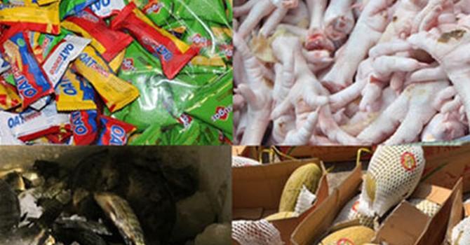 Thực phẩm Tết: Muôn nẻo tuồn hàng lậu