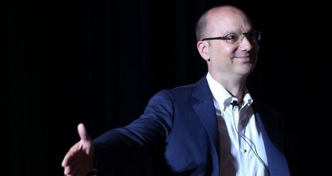 Dự án đối đầu iPhone âm thầm của nhà sáng lập Android
