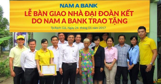 Nam A Bank trao tặng nhà đại đoàn kết cho các hộ nghèo ở tỉnh Kiên Giang