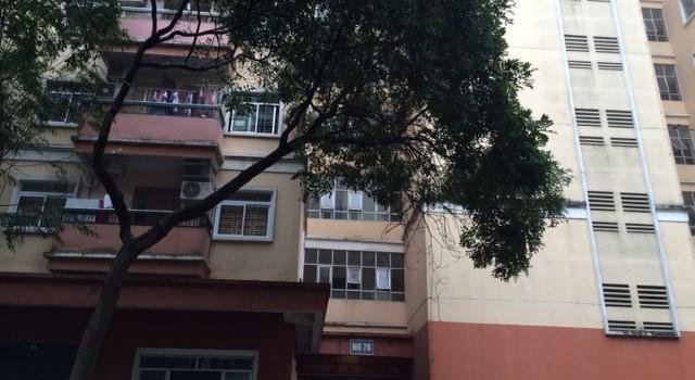 Hãi hùng bể nước chung cư bị ngấm nước bể phốt, bốc mùi nồng nặc