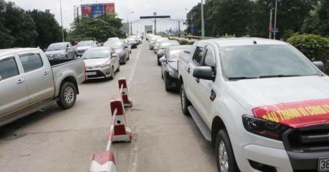 Hàng trăm người dân lại chặn đường phản đối thu phí BOT qua cầu Bến Thủy