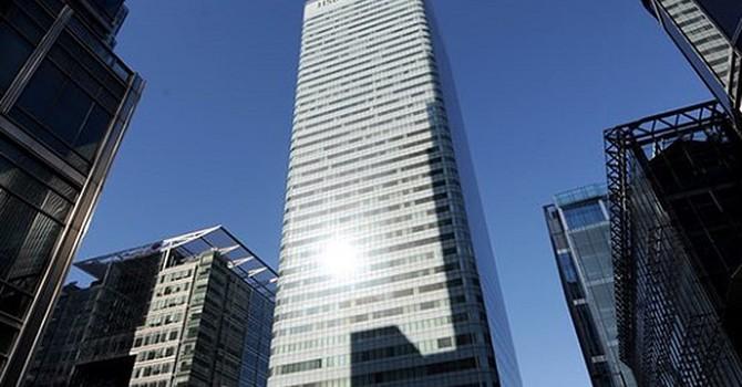 """Ngân hàng Anh """"rửa"""" 740 triệu USD cho các đối tượng Nga"""